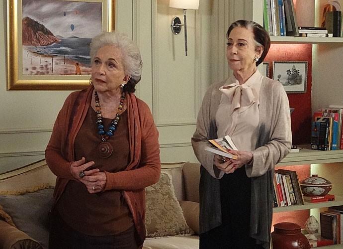 Teresa e Estela ficam surpresas com a presença de Maria José e Laís (Foto: Maria Eduarda Freitas/Gshow)