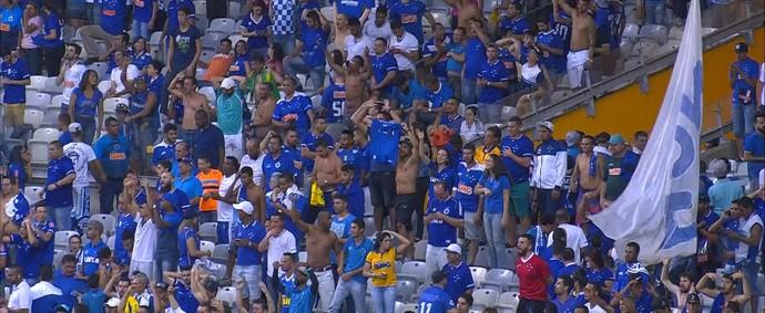 Torcida Cruzeiro x Ponte Preta (Foto: Reprodução / Premiere)