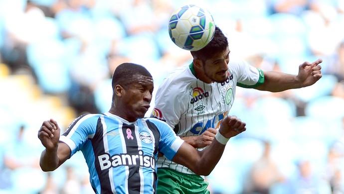 Erazo e Tulio de Melo Grêmio x Chapecoense (Foto: Ag. Estado)