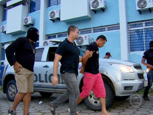 Gildo Xavier prestou depoimento e vai seguir para o Cotel, onde fica à disposição da Justiça. (Foto: Reprodução / TV Globo)