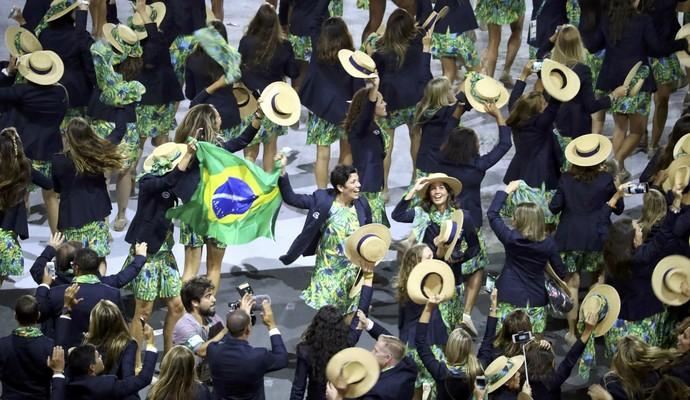 Cerimônia abertura, delegação Brasil, Olimpíada Rio de Janeiro (Foto: REUTERS/Lucy Nicholson)