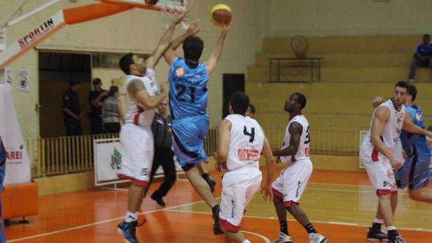 Jacareí x LSB Liga Sorocabana - Paulista de basquete (Foto: Eric Mantuan/LSB)