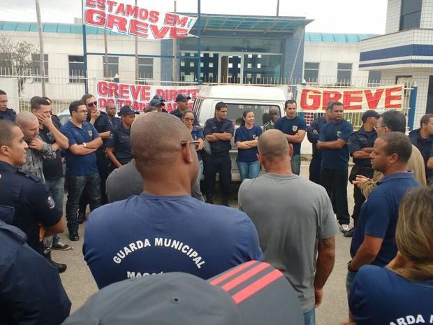 Categoria está em greve desde o dia 26 (Foto: Jean Matos/União GM Macaé)