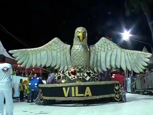 Vila Mamona se lançou para sorte e levou título do carnaval de Corumbá (Foto: Reprodução/TV Morena)