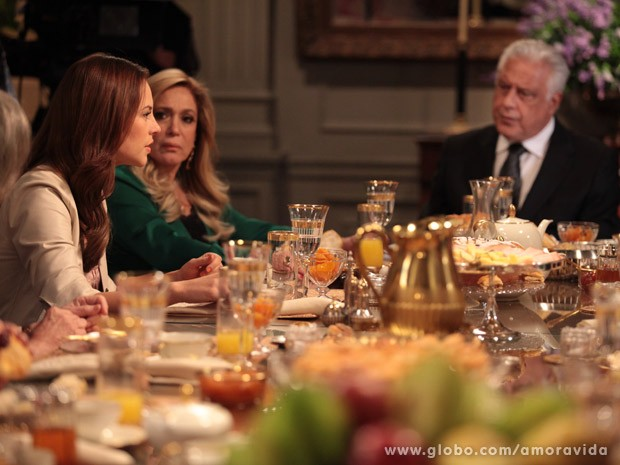 Paloma, Pilar e César (Foto: Amor à Vida / TV Globo)