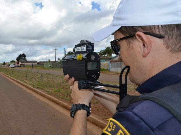 Radar móvel está sendo utilizado pela P-Tran (Foto: Jonatas Boni/G1)