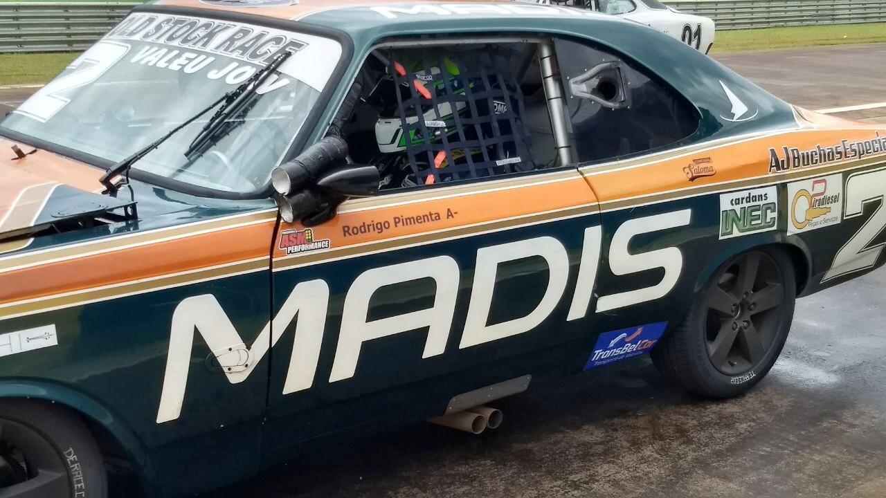 P1 na corrida 1 em Cascavel, válida pela oitava etapa do campeonato da Old Stock race (Foto: Divulgação/Planeta Velocidade)