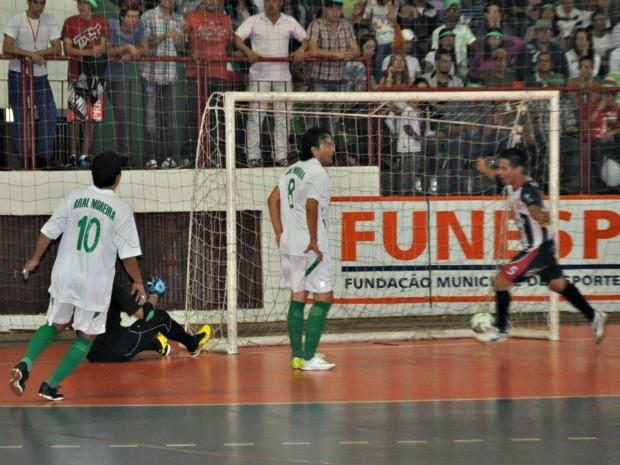 Segundo gol do AEFA Copa Morena MS (Foto: Gabriela Pavão/GLOBOESPORTE.COM MS)