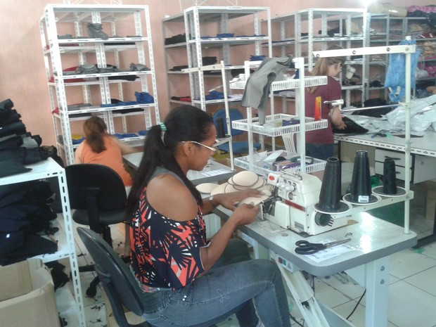 Empresa tinha 4 funcionários e passou a ter 11 após aposta na produção de cuecas com enchimento (Foto: Manoel Castro / VC no PEGN)