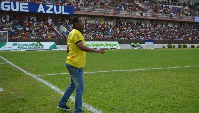 Carlos Alberto Dias mostra cara do Castanhal no Parazão (Foto: Michael Douglas/Globoesporte.com)