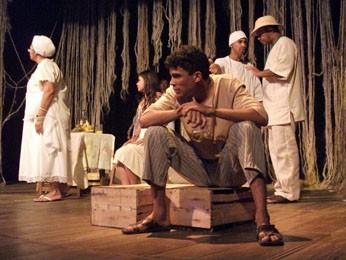 Espetáculo do Grupo Teatral Ariano Suassuna, de Igarassu. (Foto: Pedro Portugal / Divulgação)