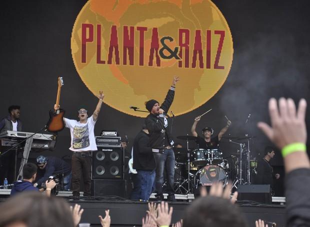 Banda Planta & Raiz trouxe o seu reggae para o Estação Pedreira (Foto: Roger Santmor/RPC)