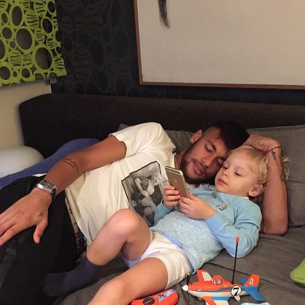 Neymar com o filho (Foto: Reprodução/Instagram)