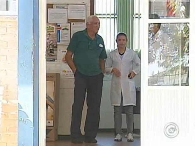 Um médico foi contratado esta semana, mas ainda faltam profissionais na cidade. (Foto: Reprodução/TV Tem)