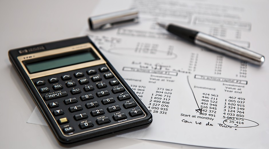 investimento, dinheiro, calculadora, contas (Foto: Reprodução/Pexels)