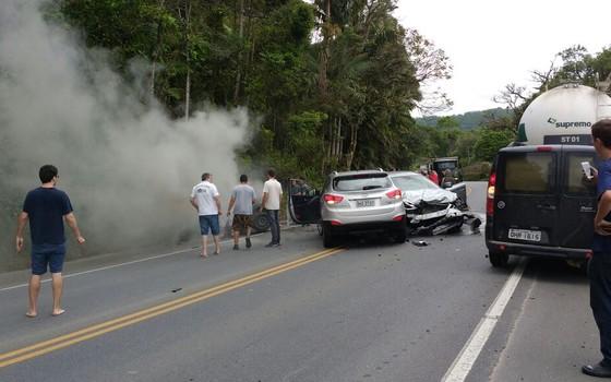 Ex-deputado federal João Pizzolatti se envolve em acidente grave em SC (Foto: Reprodução)