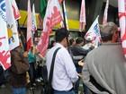 Greve dos bancários deixa 53% das agências fechadas, diz Contraf