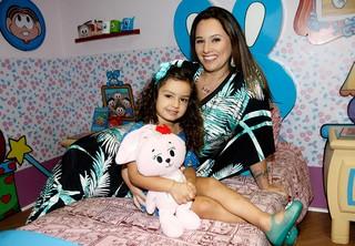 Mariana Belém e filha para o EGO (Foto: Celso Tavares/EGO)