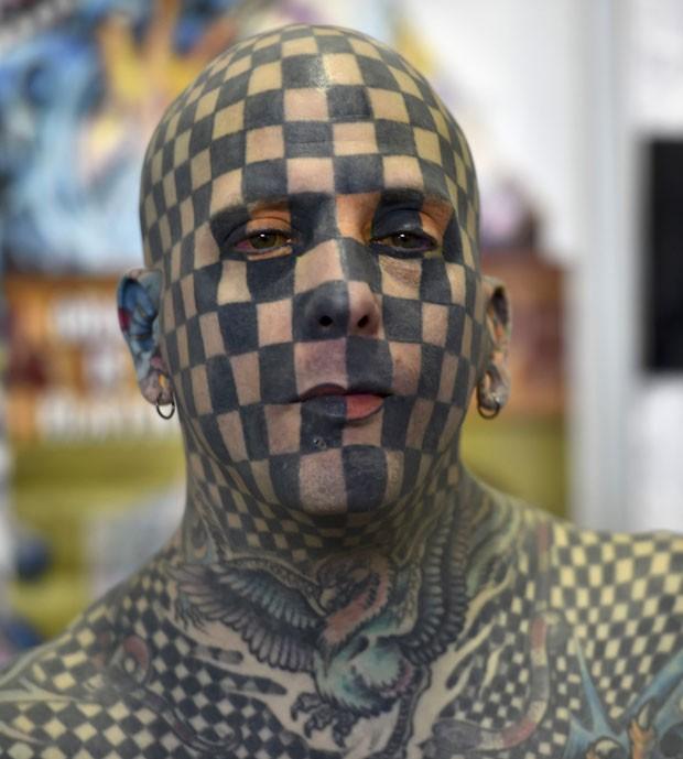 Americano Matt Gone é conhecido como 'homem quadriculado' (Foto: Yuri Cortez/AFP)
