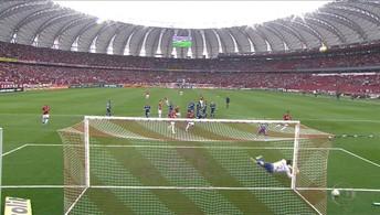 Tranquilo Cruzeiro perde para o desesperado Internacional