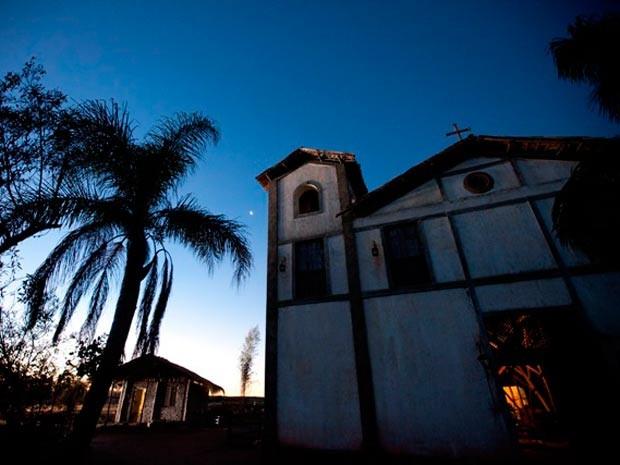 Igreja de Santa Fé, na cidade cenográfica (Foto: Fernando Nipper/Divulgação)