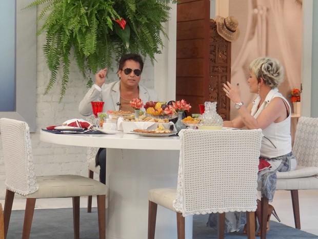 Aposentadoria? Leonardo diz que vai diminuir número de shows para ficar perto da família (Foto: Mais Você / TV Globo)