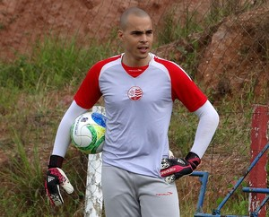 Júlio César Náutico (Foto: Daniel Gomes)
