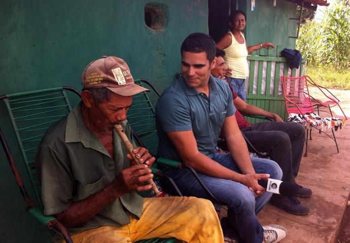 Antônio Fulô é um apaixonado por flauta há mais de 50 anos (Foto: Gshow/Rede Clube)