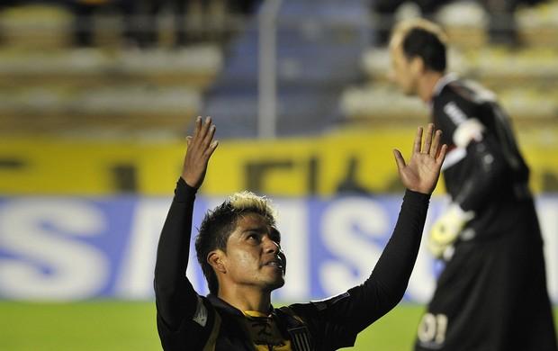 rogerio ceni soliz the strongest X SÃO PAULO (Foto: AFP)