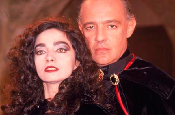 Claudia Ohana e Ney Latorraca em cena da novela: 'Vamp' foi exibida há 23 anos (Foto: Reprodução)