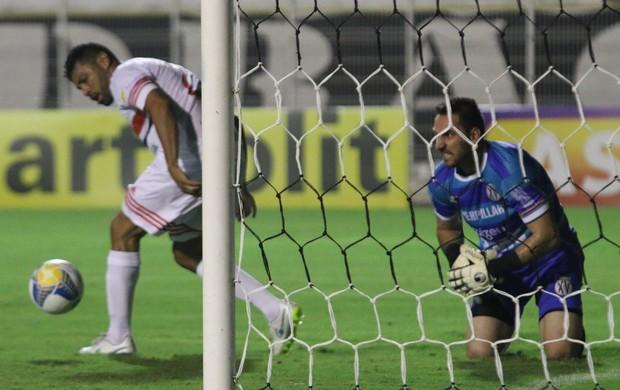 Roberto, goleiro do XV de Piracicaba (Foto: Rogério Moroti / Agência Botafogo)