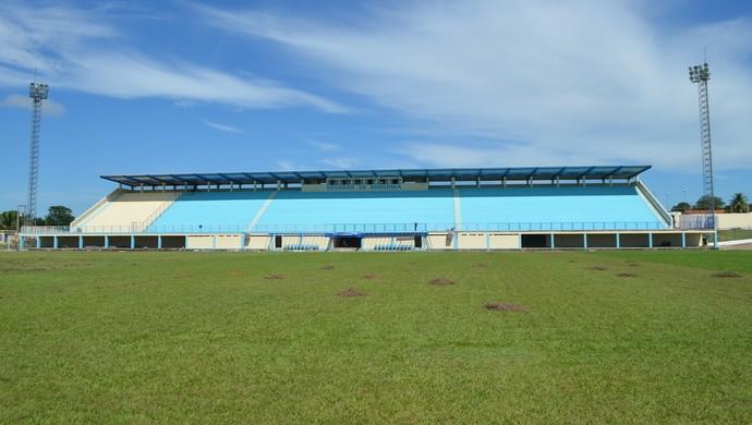Estádio Biancão, em Ji-Paraná (Foto: Pâmela Fernandes)