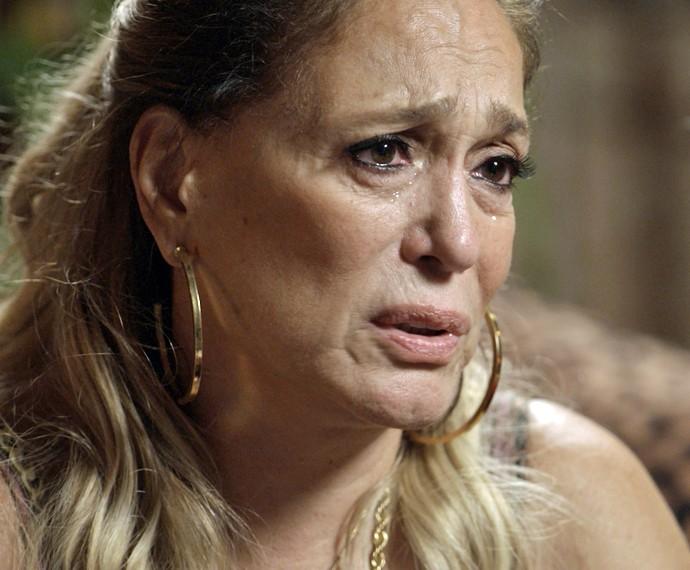 Adisabeba se emociona diante do desabafo de Djanira (Foto: TV Globo)