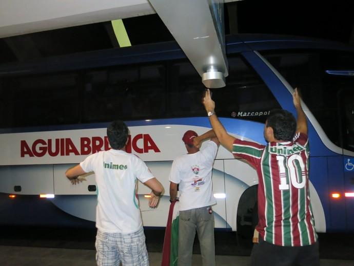 fluminense torcedores desembarque salvador (Foto: Edgard Maciel de Sá)