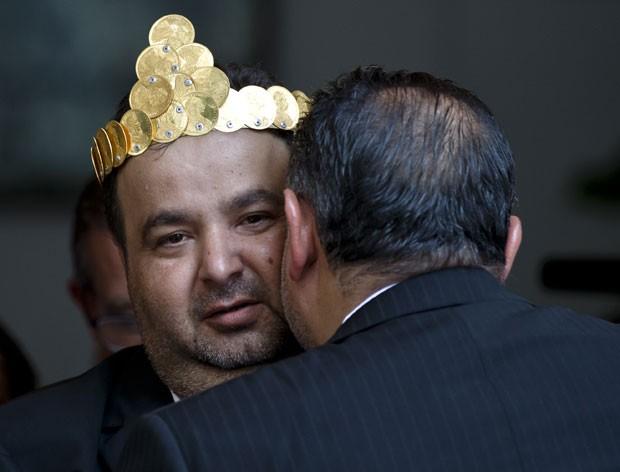 Orin assumiu o título simbólico de 'rei dos ciganos' (Foto: Vadim Ghirda/AP)