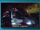 Acidente entre carro e ambulância deixa 13 pessoas feridas e uma morta