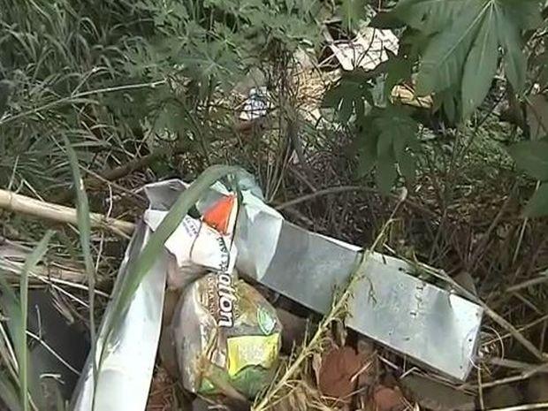 Moradores reclamam de abandono de ruas do bairro Banzato (Foto: Reprodução/TV TEM)