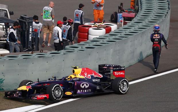 MArk webber RBR pneu dtraseiro direito acidente gp da china (Foto: Agência Reuters)