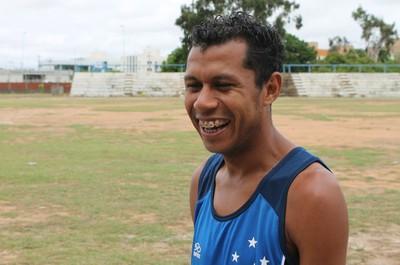Edson Amaro vive boa fase (Foto: Henrique Almeida)