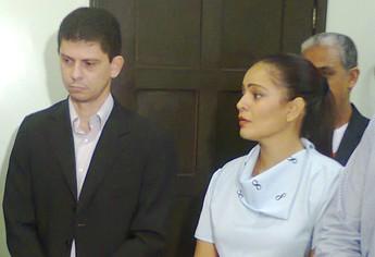 Alexandre Lopes e Isabela Drago, representantes de São Raimundo e Tapajós, na reunião da Campanha Cartão Vermelho contra o Trabalho Infantil (Foto: Rafael Ferreira/TV Tapajós)