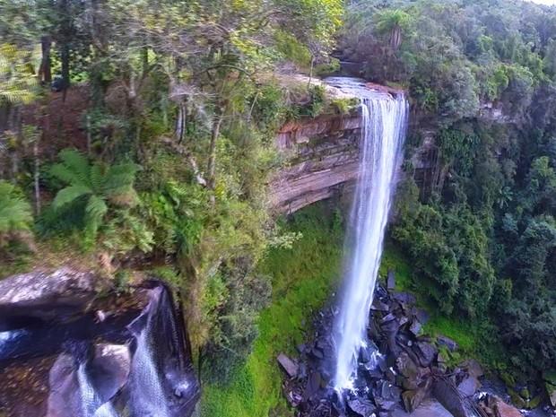 Circuito de cicloturismo atravessa a região conhecida como o Vale das Cachoeiras (Foto: Reprodução Globo Repórter)