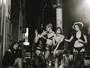 Maria Flor estrela ensaio erótico pelas ruas da Lapa, no Rio