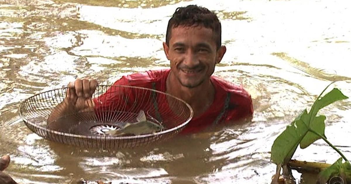 Piracema leva moradores a pescar em igarapé poluído no Acre - Globo.com