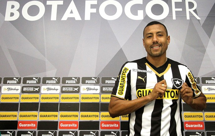 Ramírez, apresentação Botafogo (Foto: Vitor Silva / SSpress)