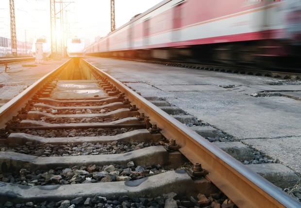 Trilho de trem ; transporte ferroviário ; trens ; trem de carga ;  (Foto: Thinkstock)