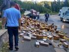 Motorista de caminhão morre e BR-040, em Petrópolis, tem lentidão