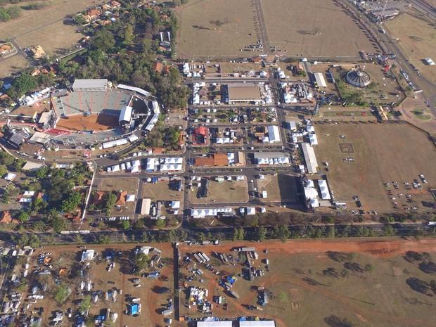 Parque do Peão deve receber cerca de 900 mil pessoas nos 11 dias de festa (Foto: GF Drone)
