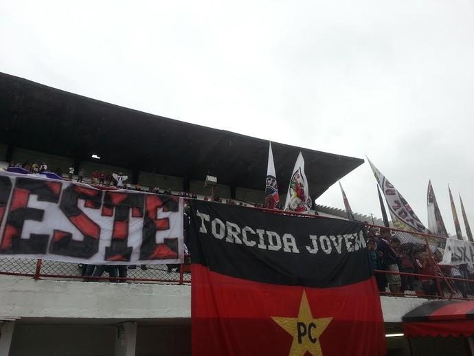 Torcida Flamengo Gávea (Foto: Thales Soares)