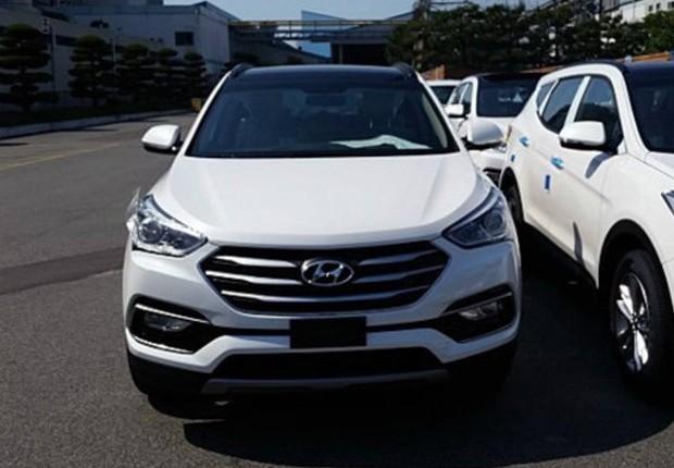 Flagra do Hyundai Santa Fe 2016 feito na Coreia (Foto: Reprodução)