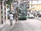 Ônibus voltam a circular no  bairro da Engomadeira, em Salvador